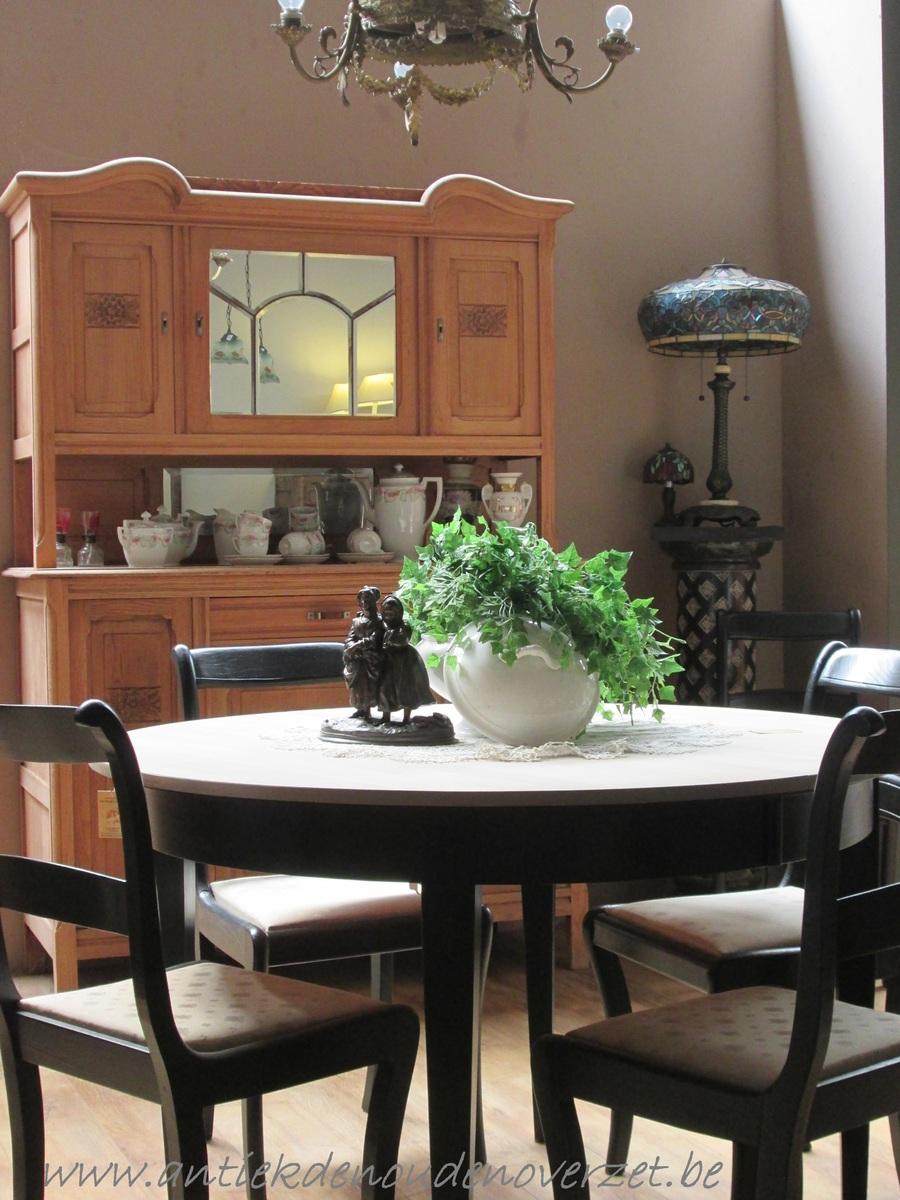 Verkoop van meubelen melsele antiek den ouden overzet for Eetkamerstoelen landelijk interieur