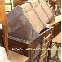 Enorme keuze antieke meubelen bij Antiek & Landelijk Interieur Den Ouden Overzet, Melsele
