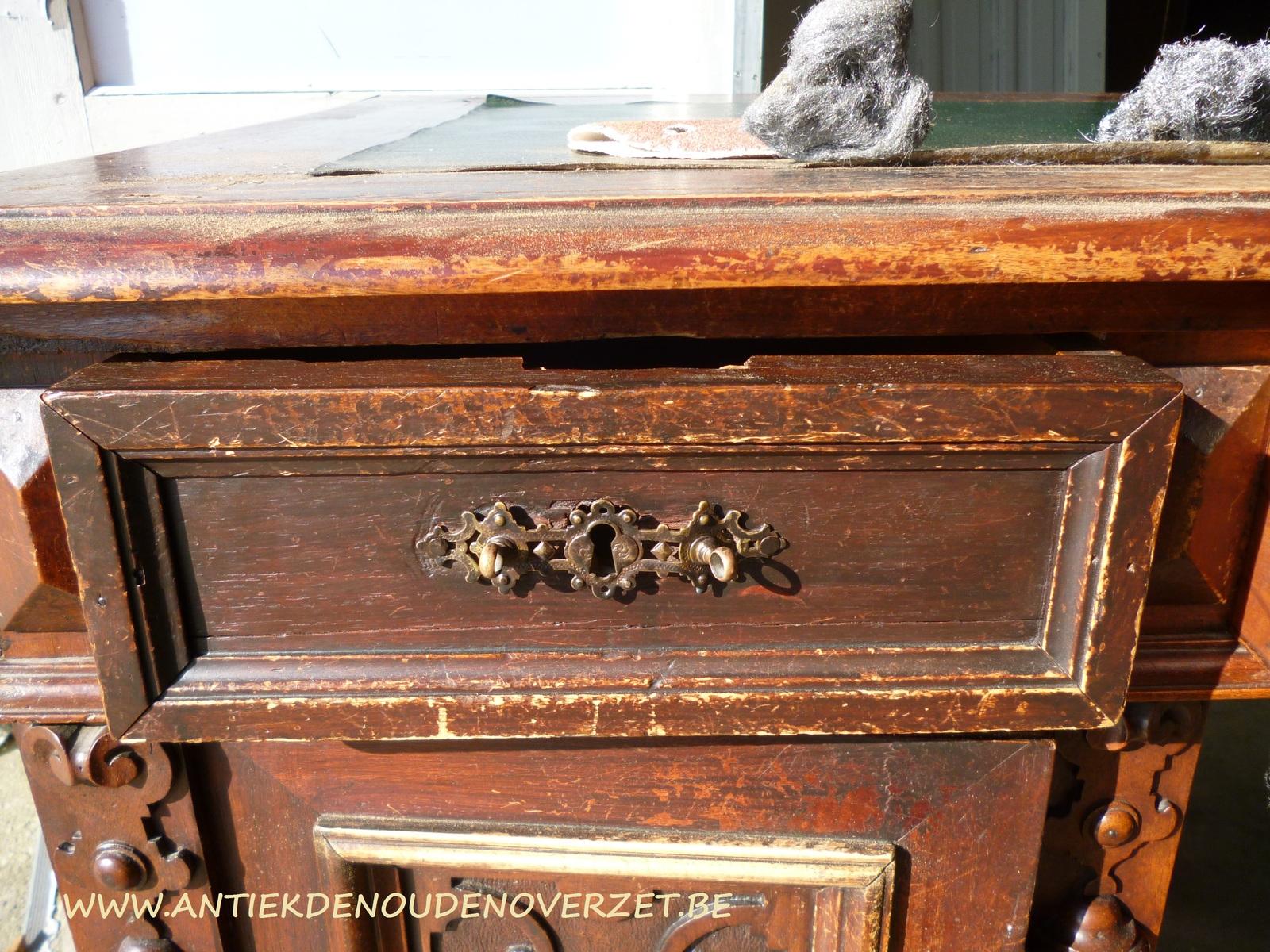 Restauratie van meubelen melsele antiek den ouden overzet for Antiek interieur