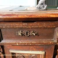 Restauratie van antieke meubelen Antiek & Landelijk Interieur Den Ouden Overzet, Melsele