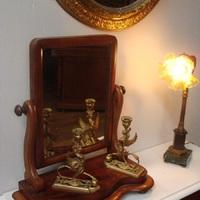 Kleine meubeltjes als decoratie,  Antiek & Interieur Den Ouden Overzet, Melsele