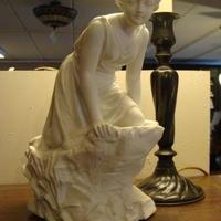 Biscuit beeldje, Antiek & Interieur Den Ouden Overzet, Melsele