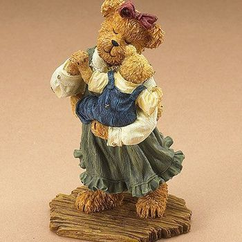 Stoneware : Momma Bearylove with Sweet Pea... The Dance