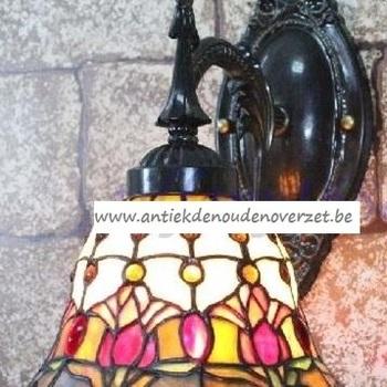 Wandlampje tiffany, gestyleerde bloemen DOO1710/037