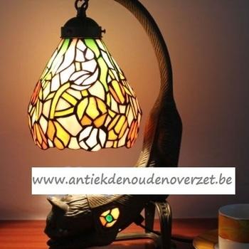 Tafellamp tiffany, poes met gouden tulpjes DOO1710/074