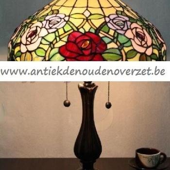 Tafellamp tiffany, bloemenrand DOO1710/137