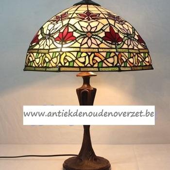 Tafellamp tiffany, gestyleerde Art Deco bloemen DOO1710/157