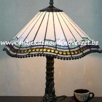 Tafellamp tiffany, golvend wit met pareltjes DOO1710/145