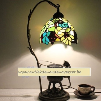 Tafellamp tiffany, ondeugend poesje onder de druiven DOO1710/109