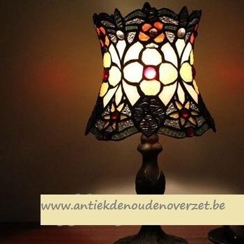 Tafellamp tiffany, bloemetjes in het donker DOO1710/095