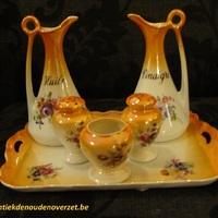 Porselein : Setje olie, azijn, peper, zout en mosterd