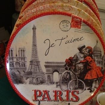 """Dienblad rond """"Paris je t'aime"""""""