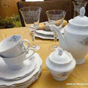 "Servies ""Marquise"", thee- of koffiekan"