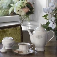 """Servies """"Marquise"""", thee- of koffiekan"""