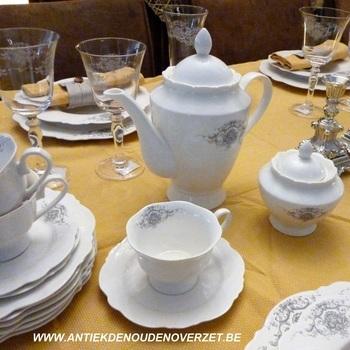"""Servies """"Marquise"""", set koffie-of theekopje met onderbordje"""