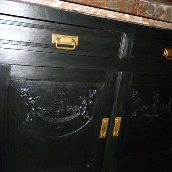 Toiletkast, zwart geschilderd