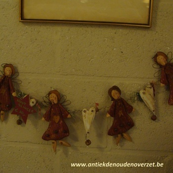 Kerstslinger houten engeltjes