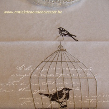 "Tafelrunner ""Bird in a cage"""
