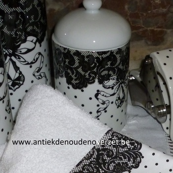 "Badkamer, wattenpot ""Black and White"""