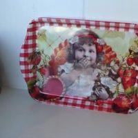 """Dienblaadje/tray, klein, """"Tartelettes aux fraises"""""""
