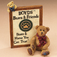 Decoration and presents : Boyds angels, fayries, dolls and bears and their little things.