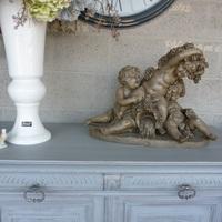 Laat je oude meubel even professioneel opknappen bij Landelijk Interieur & Antiek Den Ouden Overzet te Melsele
