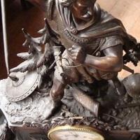 Klokken stel kunstbrons krijgers klok bij Landelijk Interieur & Antiek Den Ouden Overzet te Melsele