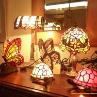 Eigen collectie tiffany lampen bij Landelijk Interieur & Antiek Den Ouden Overzet te Melsele