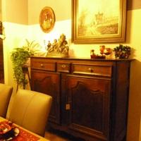 Een warme uitstraling, een warme sfeer in huis met een interieur van Landelijk Interieur & Antiek Den Ouden Overzet te Melsele