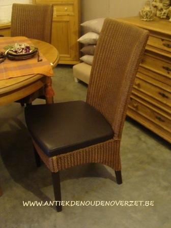 Verkoop van meubelen melsele antiek den ouden overzet for Loom stoelen