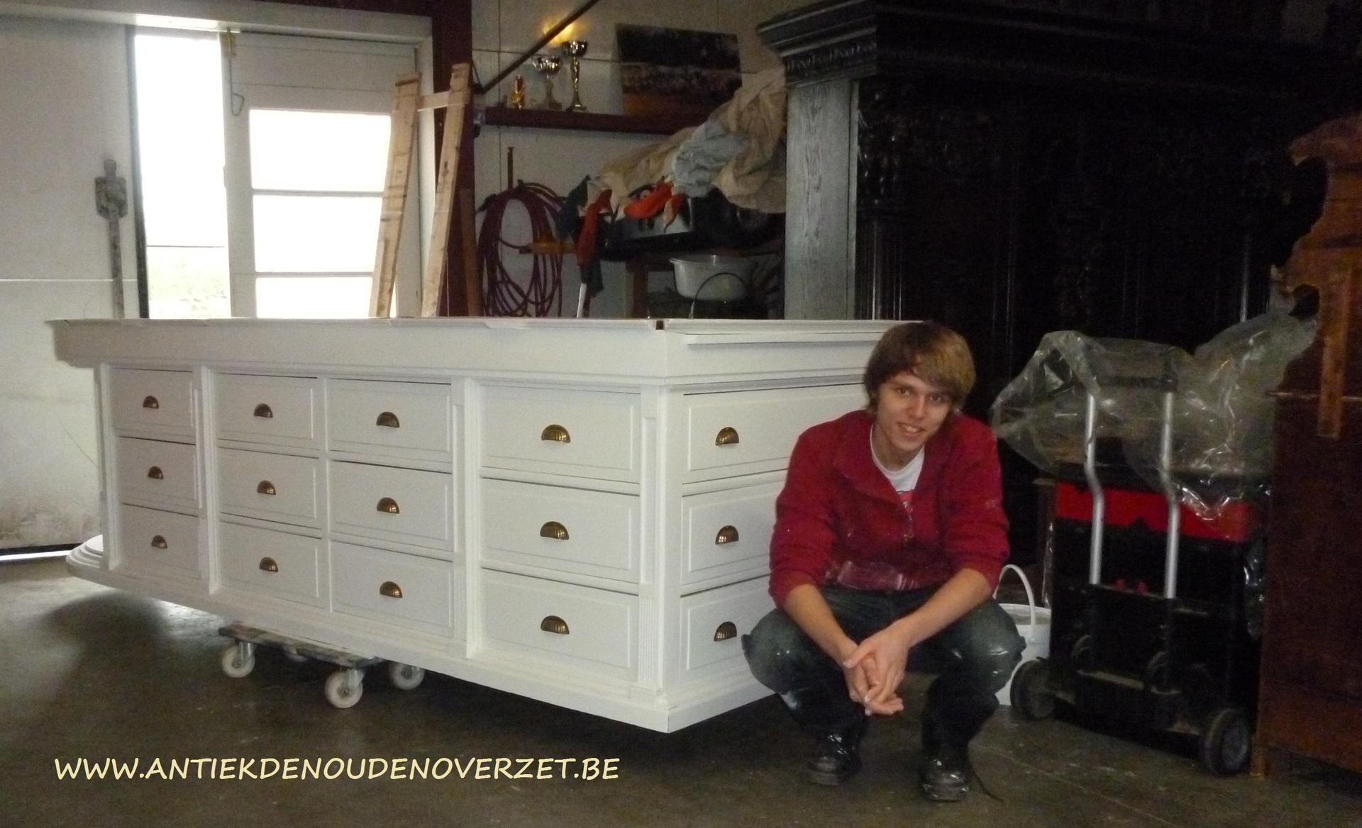 Restauratie van meubelen melsele antiek den ouden overzet for Interieur schilderen