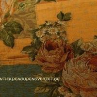 Plaid rozen en margrieten, Antiek & Landelijk Interieur Den Ouden Overzet, Melsele