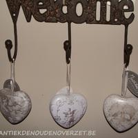 Hangertjes hartjes Mathilde M., Antiek & Interieur Den Ouden Overzet, Melsele