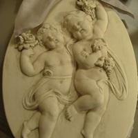 Mathilde M., Bas Relief groot ovaal 1, Antiek en Interieur Den Ouden Overzet, Melsele